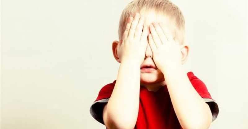 راهکارهایی برای مقابله با کمرویی در کودکان